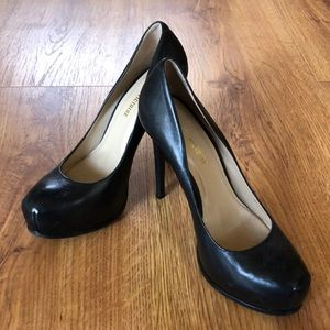 Black leather Pour La Victoire platform pumps 9.5
